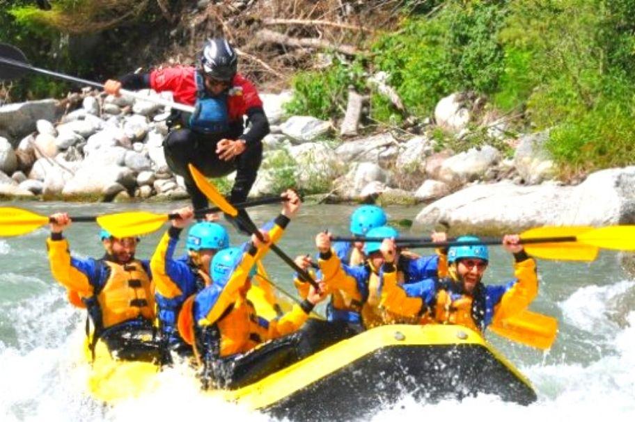 Se siete alla ricerca di una vacanza divertente e piena di adrenalina abbiamo l'avventura per voi: fare rafting sul fiume Noce in Val di Sole, in Trentino Alto Adige, Italia, nel Centro Trentino Wild, centro outdoor all'avanguardia che propone attività sportive di montagna.