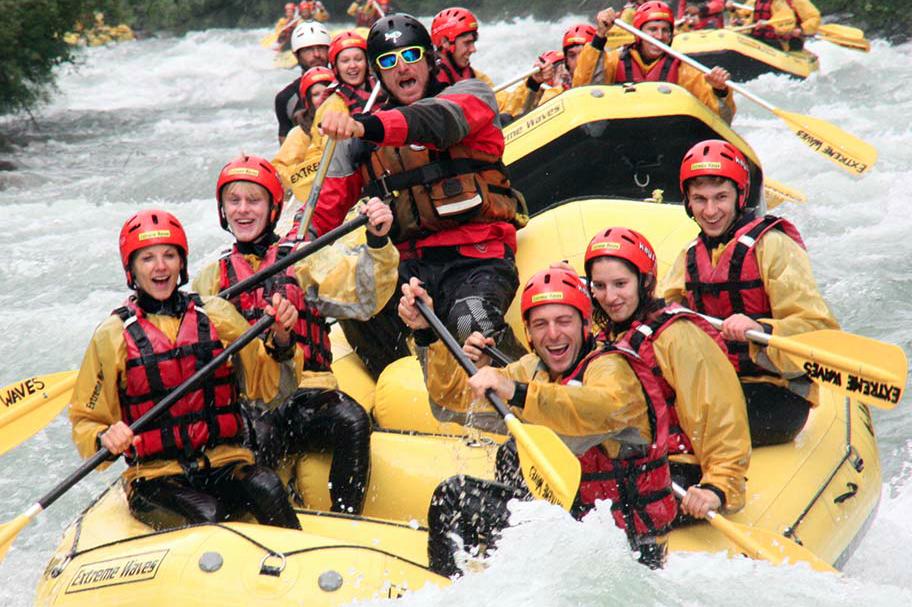 Se siete alla ricerca di una vacanza divertente e piena di adrenalina abbiamo l'avventura per voi: fare rafting sul fiume Noce in Val di Sole, in Trentino Alto Adige, Italia, nel Centro Rafting Extreme Waves, centro outdoor all'avanguardia che propone attività sportive di montagna.